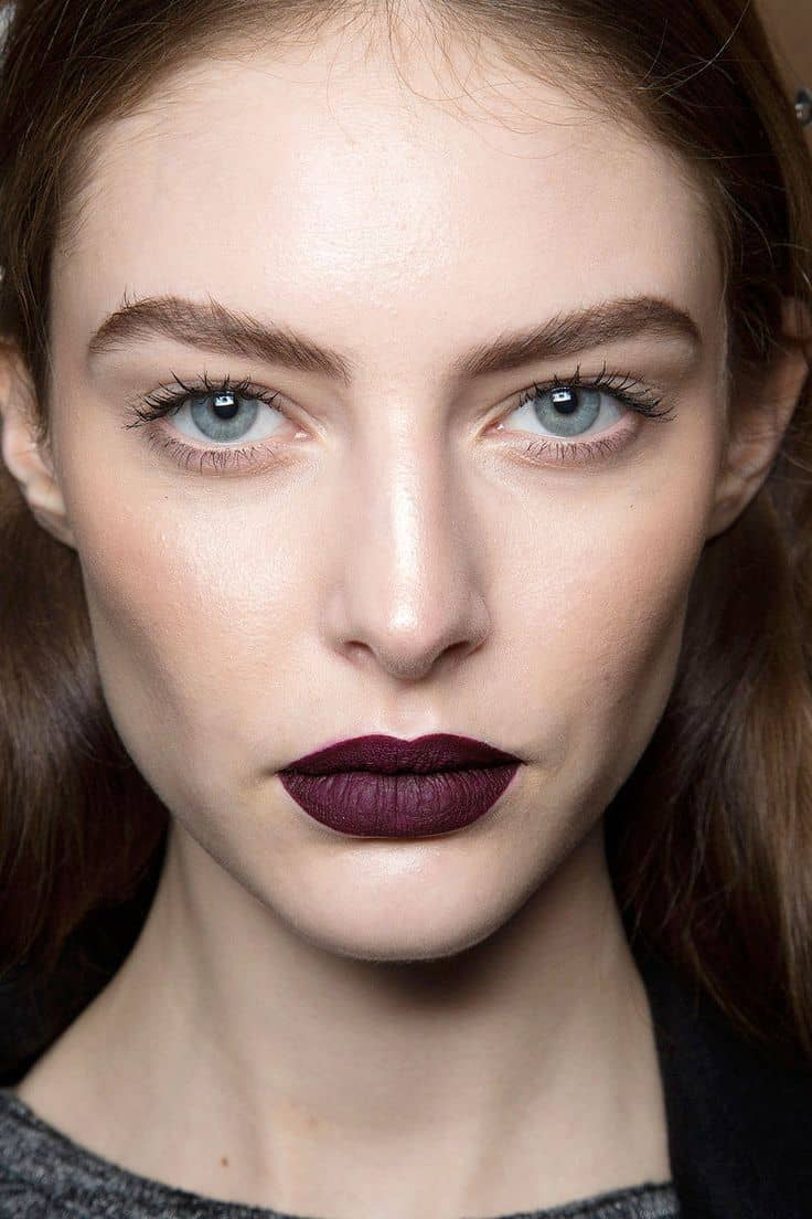 And of course the dark lips inspo to get us in this fall's mood asap