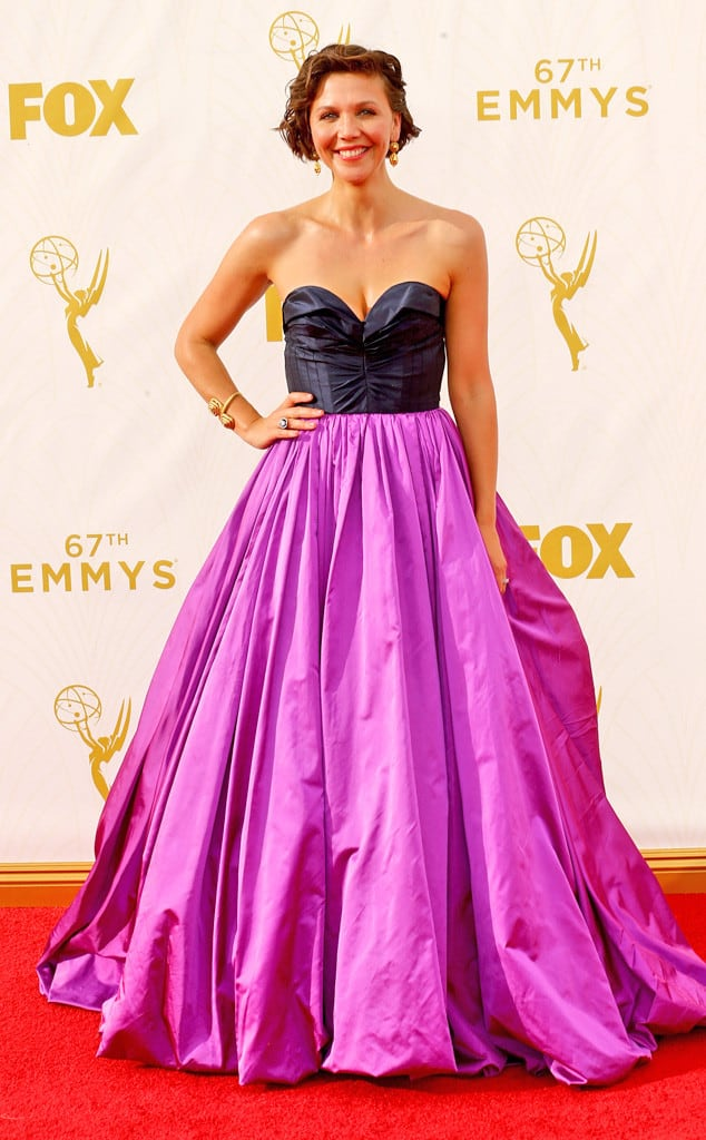 2015-emmys-red-carpet-.maggie-gyllenhaal-emmy-awards-2015-092015