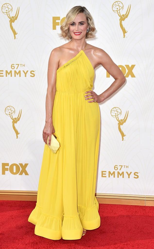 2015-emmys-red-carpet-Taylor-Schilling-Emmys.ms.092015