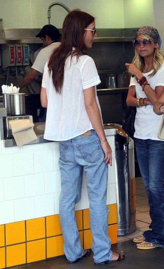 Тренд сезона: мешковатые джинсы