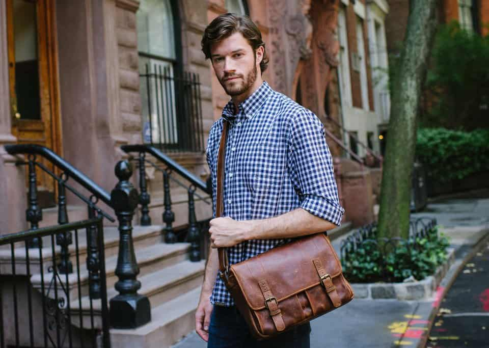 street-style-men-bags-4