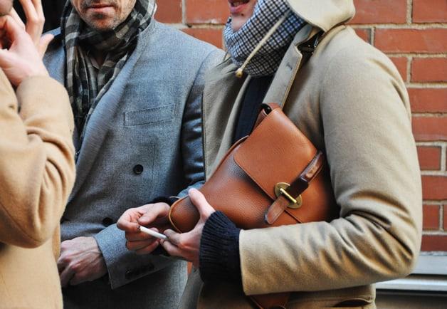 street-style-men-bags-8