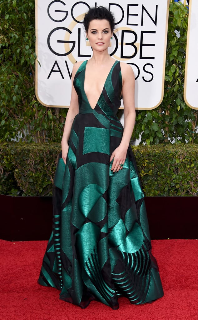 Lamie-Alexander-golden-globes-red-carpet-2016