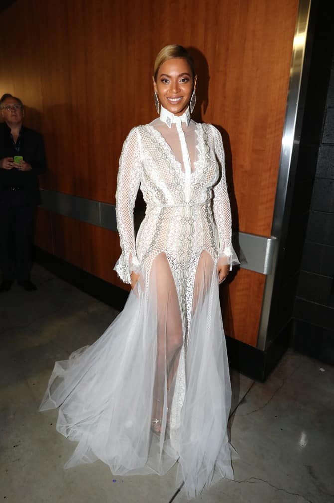 2016-grammys-red-carpet-beyonce