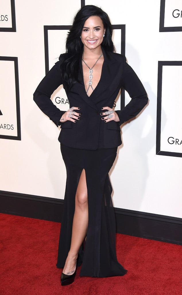 2016-grammys-red-carpet-demi-lovato