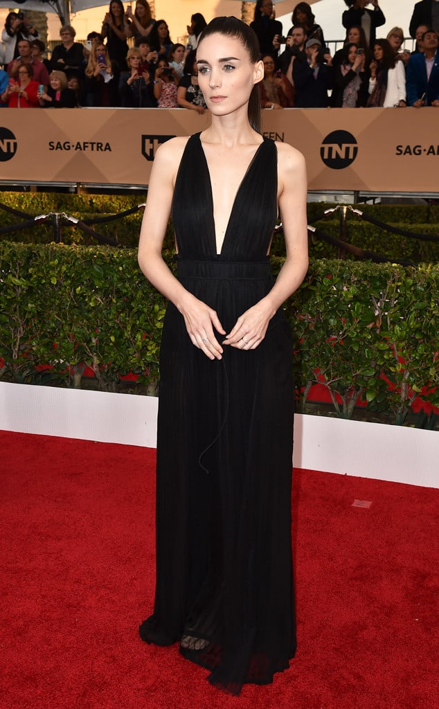2016-sag-awards-red-carpet-Rooney-Mara