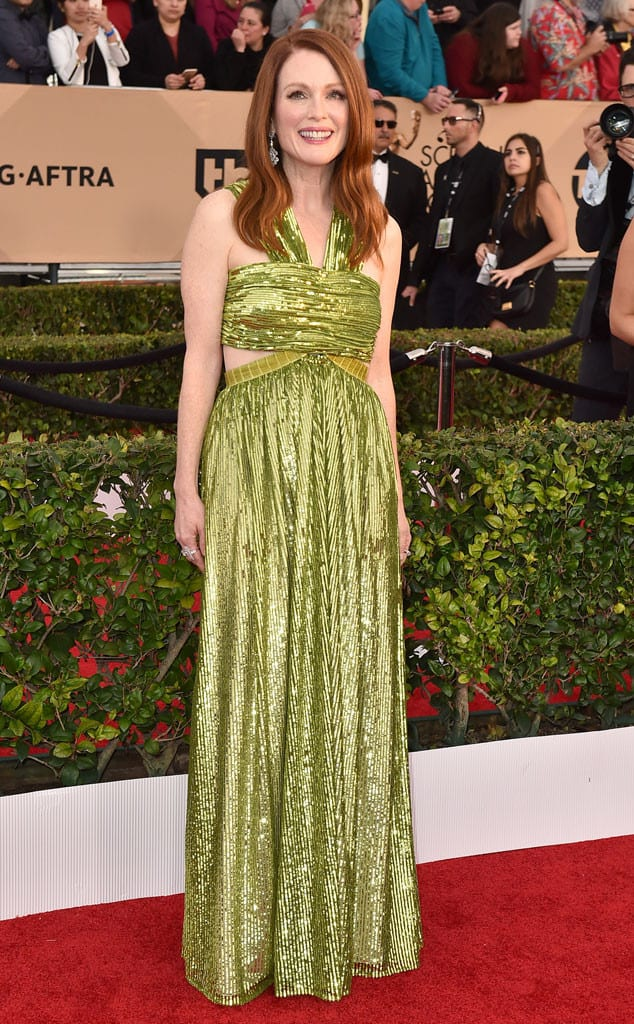 2016-sag-awards-red-carpet-julianne-moore