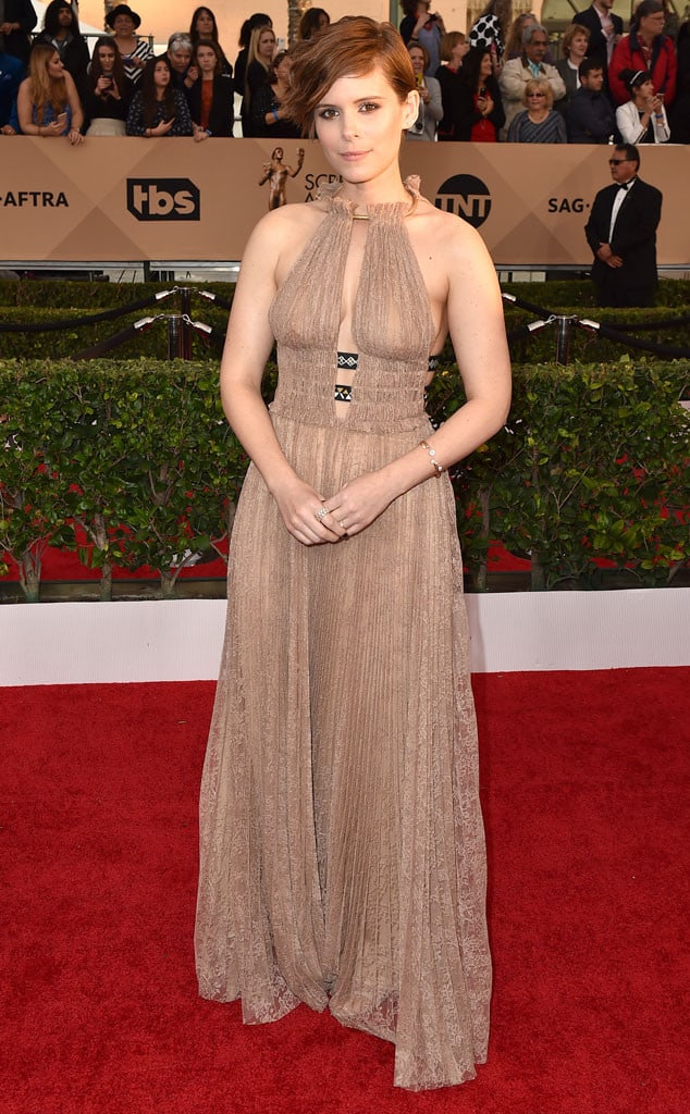 2016-sag-awards-red-carpet-kate-mara