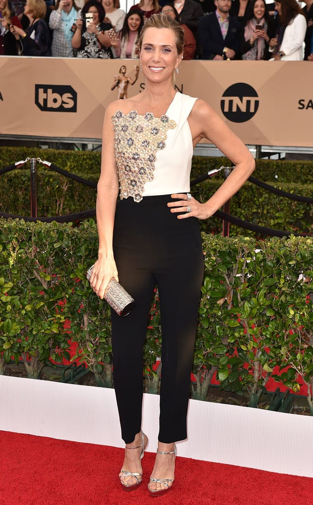 2016-sag-awards-red-carpet-kristen-wiig.cm.13016
