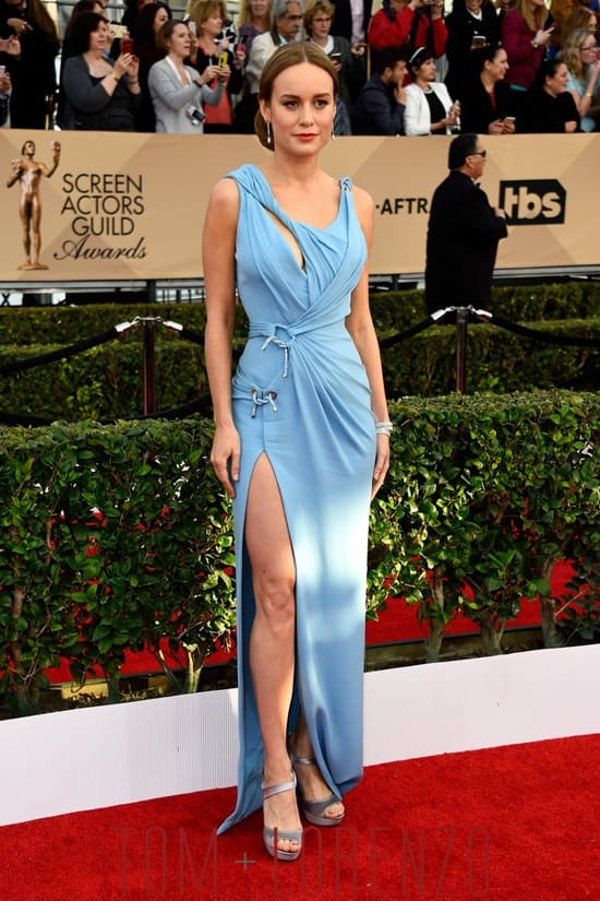 Brie-Larson-2016-sag-awards-red-carpet-