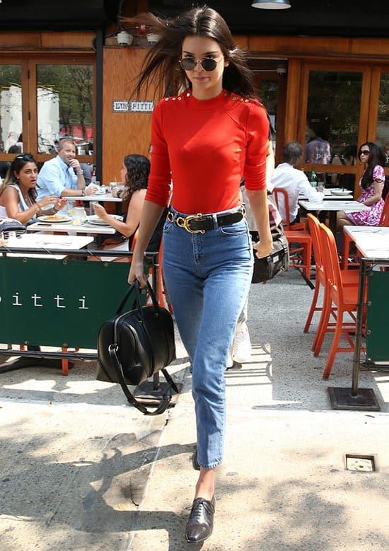 Kendall_Jenner_street_style_vintage_jeans2
