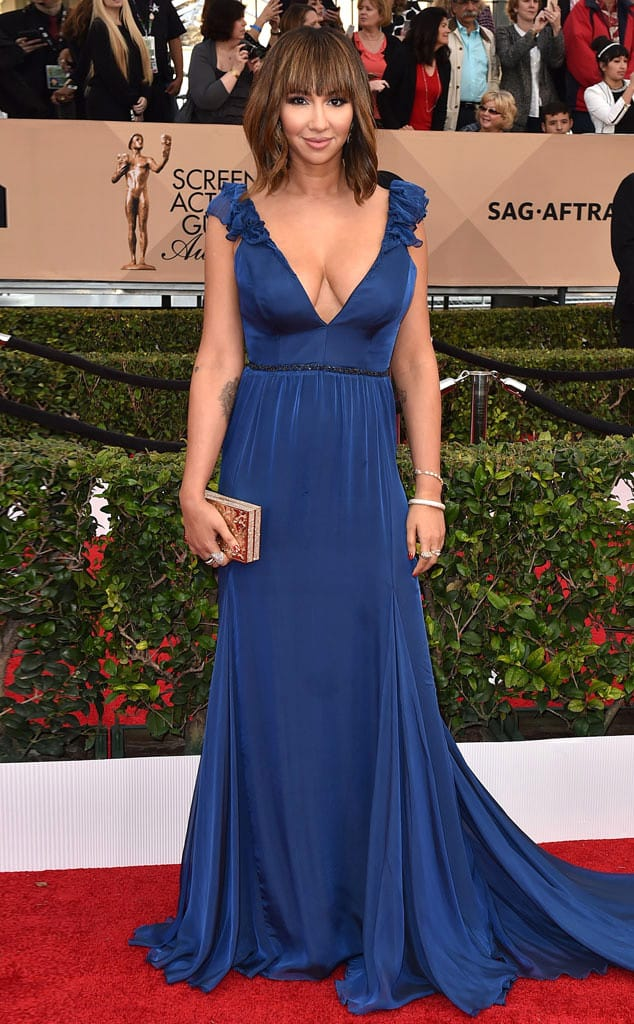 jackie-cruz-2016-sag-awards-red-carpet-