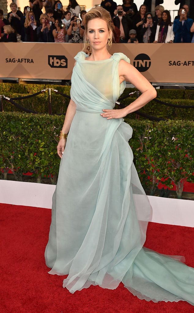 january-jones-2016-sag-awards-red-carpet-