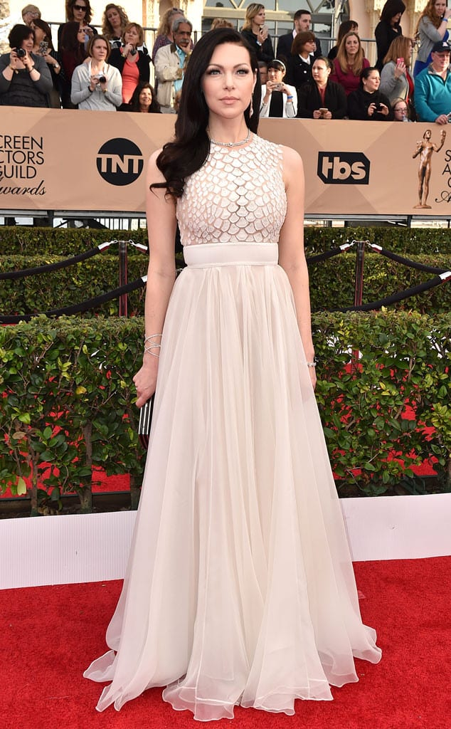 laura-prepon-2016-sag-awards-red-carpet-
