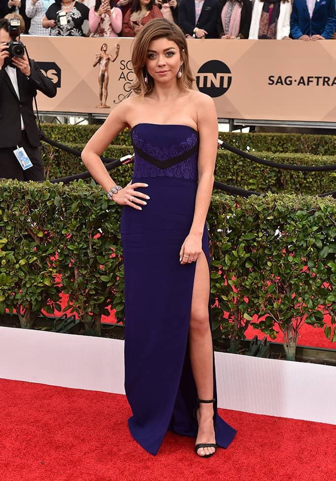 sarah-hyland-2016-sag-awards-red-carpet-