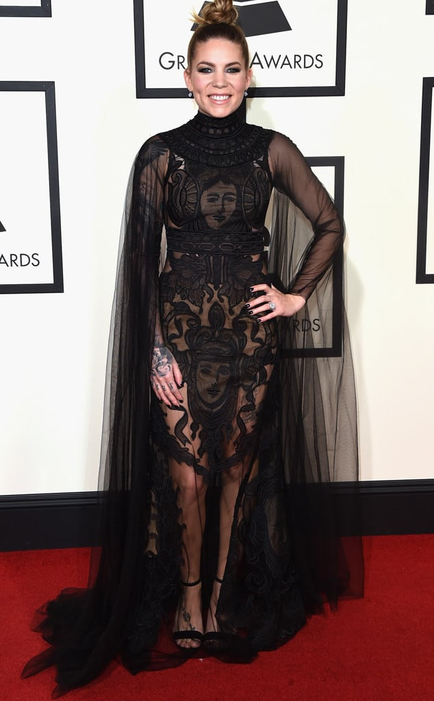 skylar-grey-2016-grammys-red-carpet