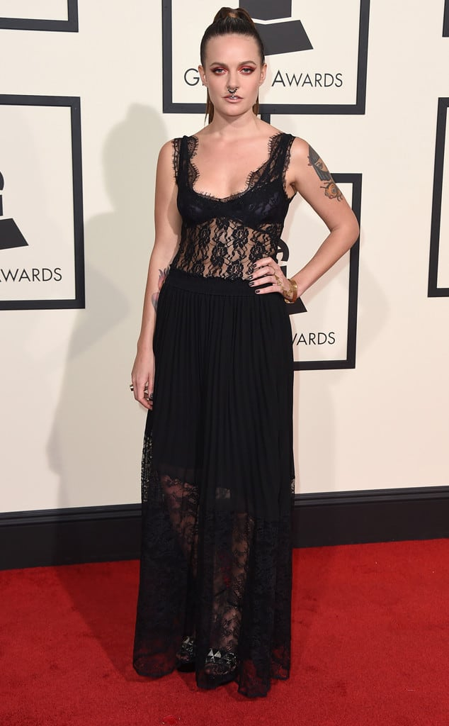 tove-lo-2016-grammys-red-carpet