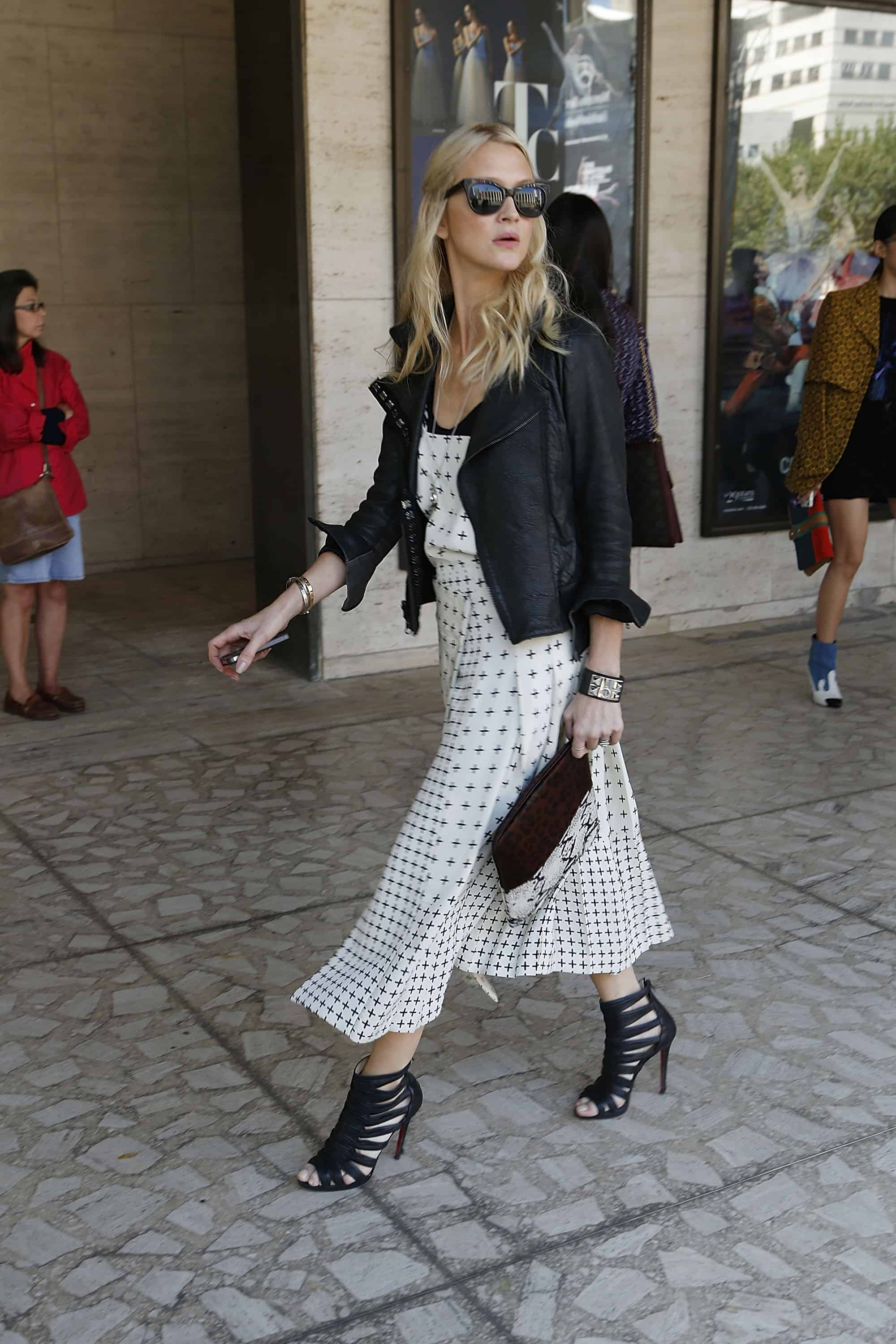 NEW YORK, NY - SEPTEMBER 12:  Guests arriving to the Michael Kors show  seen on the  Streets of Manhattan on September 12, 2012 in New York City.  (Photo by John Lamparski/Getty Images)