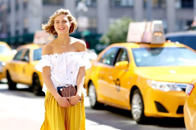 yellow-trend-street-style-17