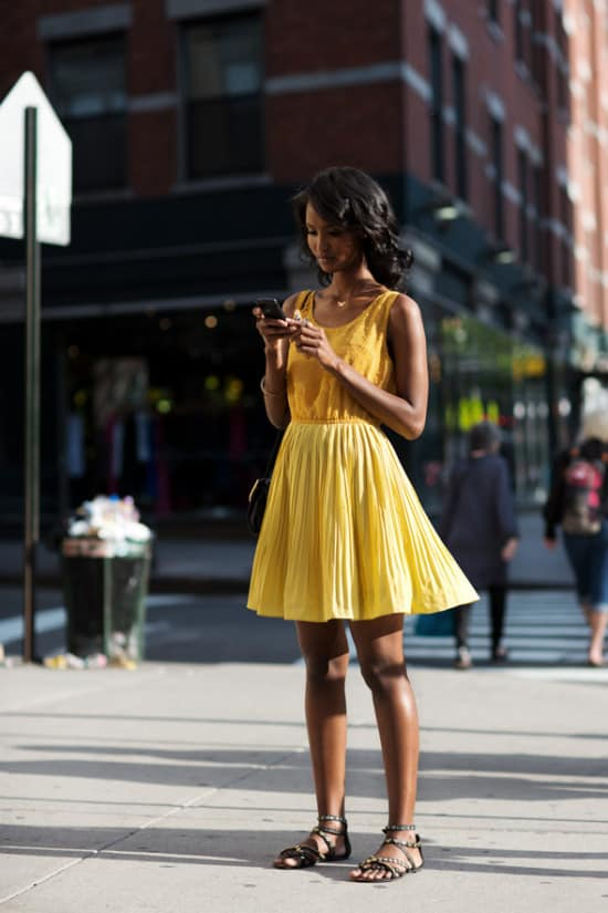 yellow-trend-street-style-30