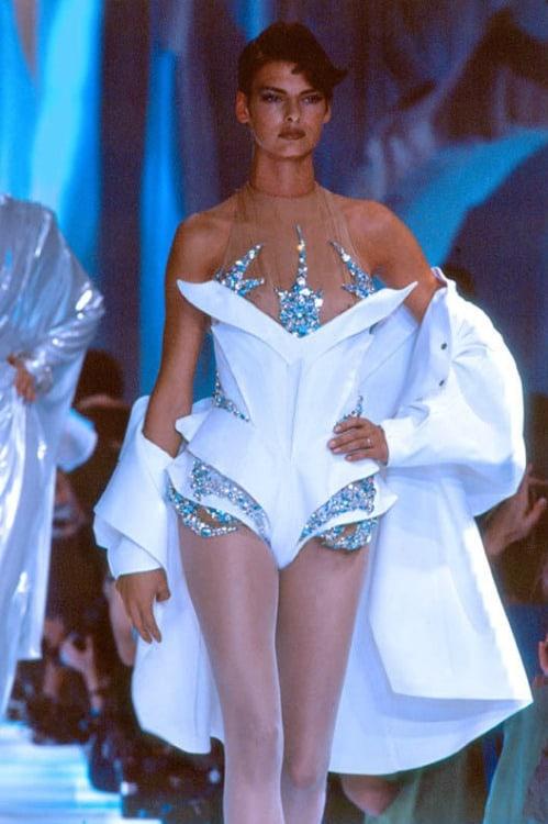 90s-supermodels-linda-evanghelista-24