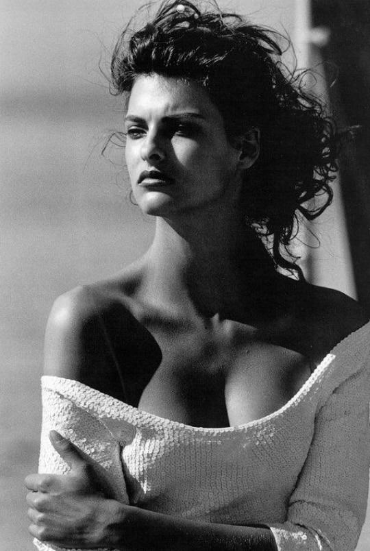 90s-supermodels-linda-evanghelista-28