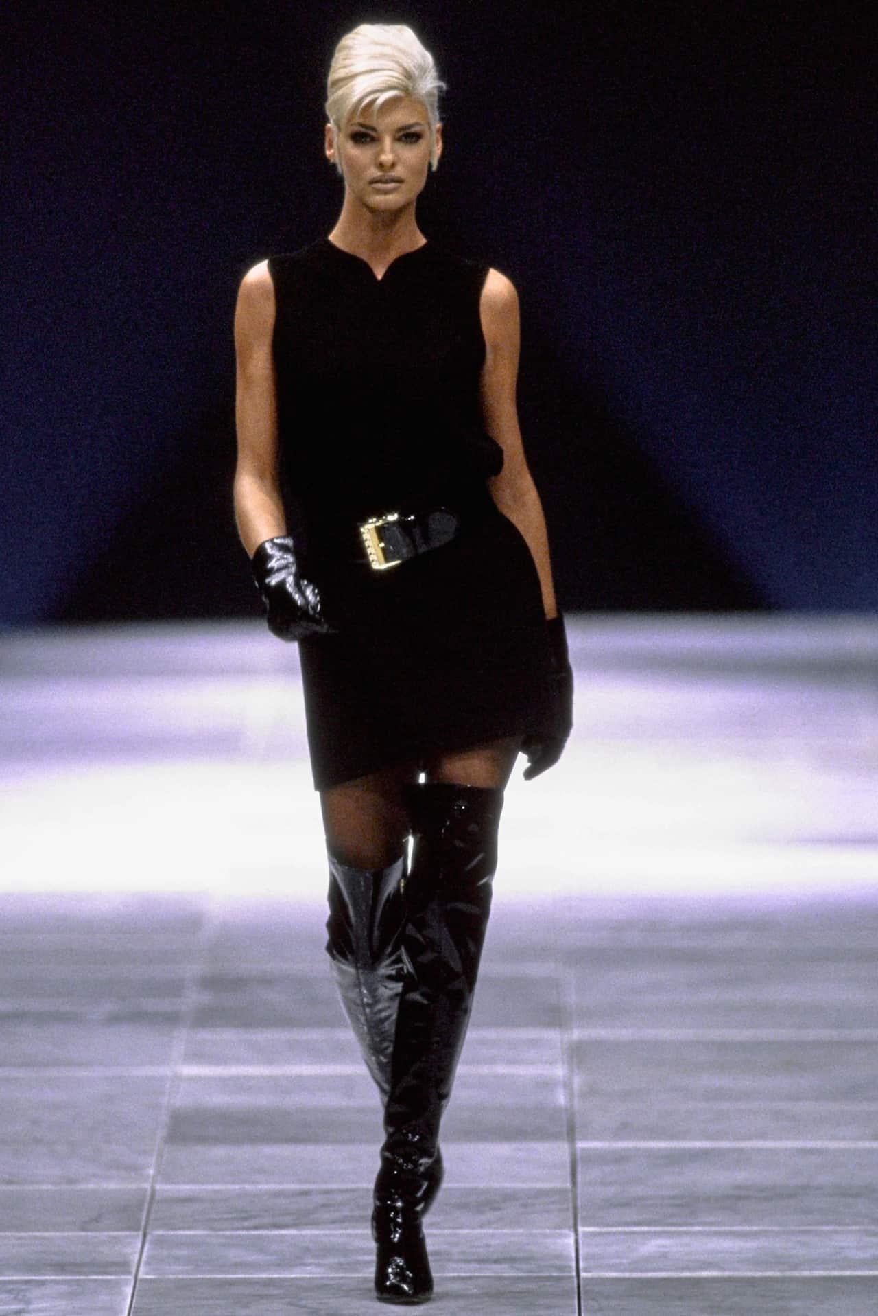 90s-supermodels-linda-evanghelista-36
