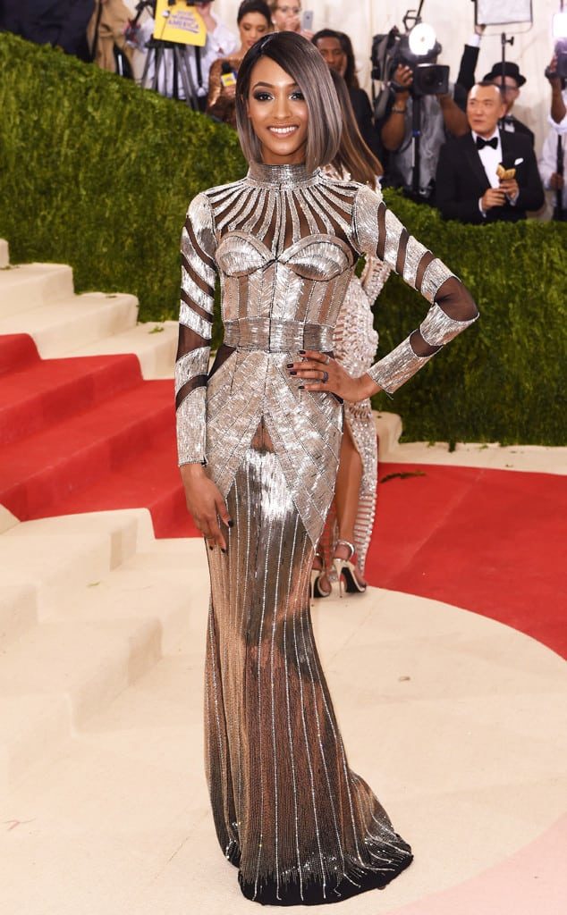 Jourdan-Dunn-met-gala-2016-red-carpet