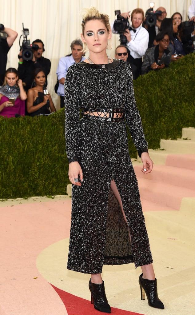 Kristen-Stewart-met-gala-2016-red-carpet