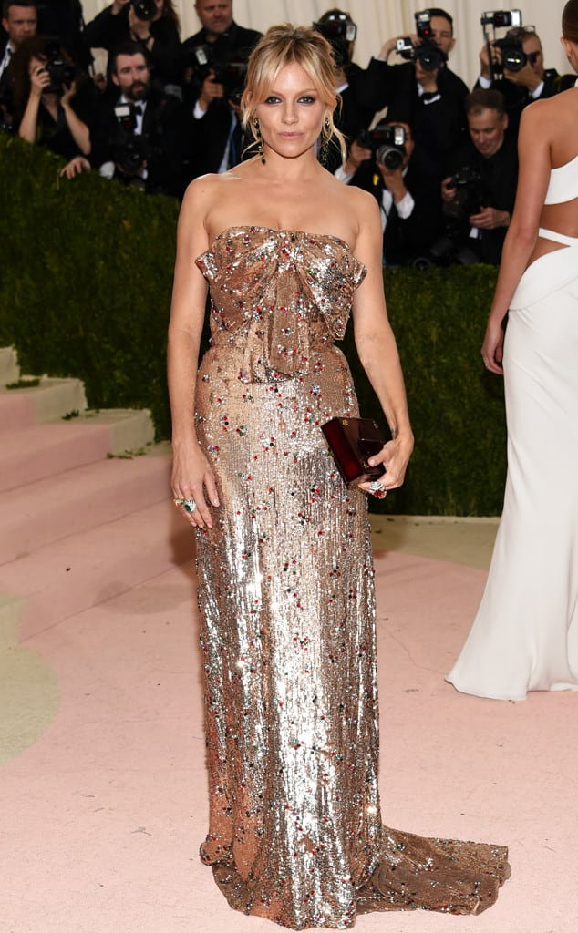 Sienna-Miller-met-gala-2016-red-carpet