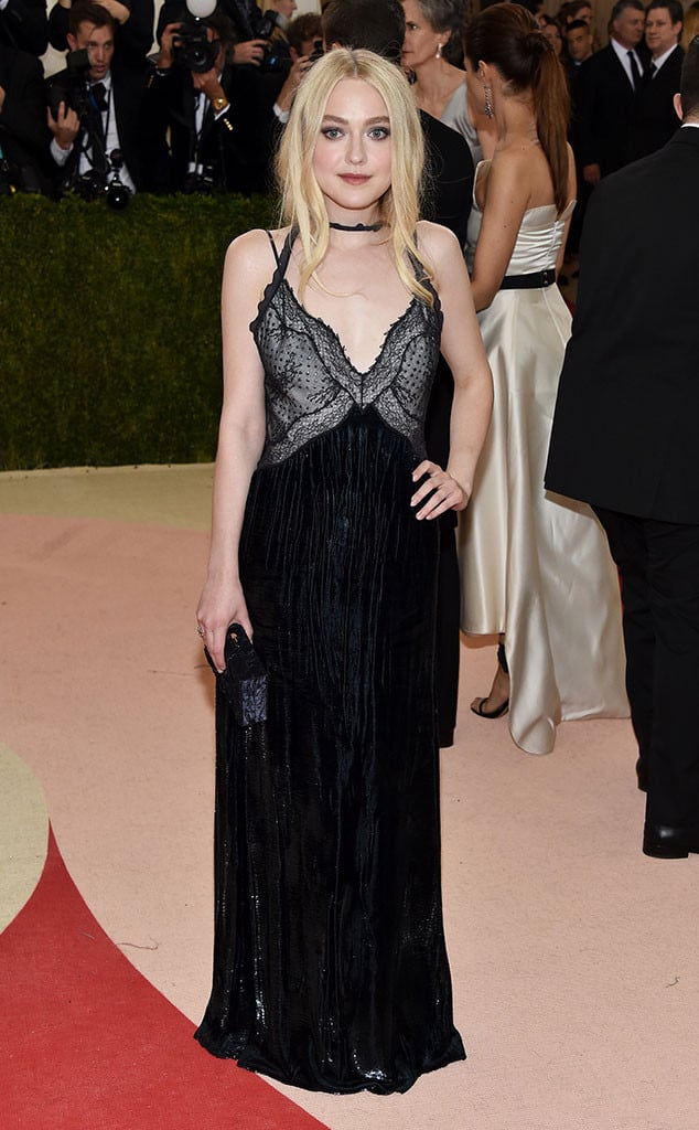 dakota-fanning-met-gala-2016-red-carpet