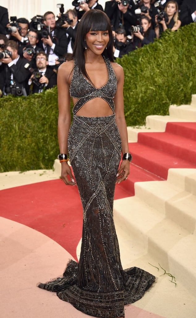 met-gala-2016-red-carpet-naomi-campbell