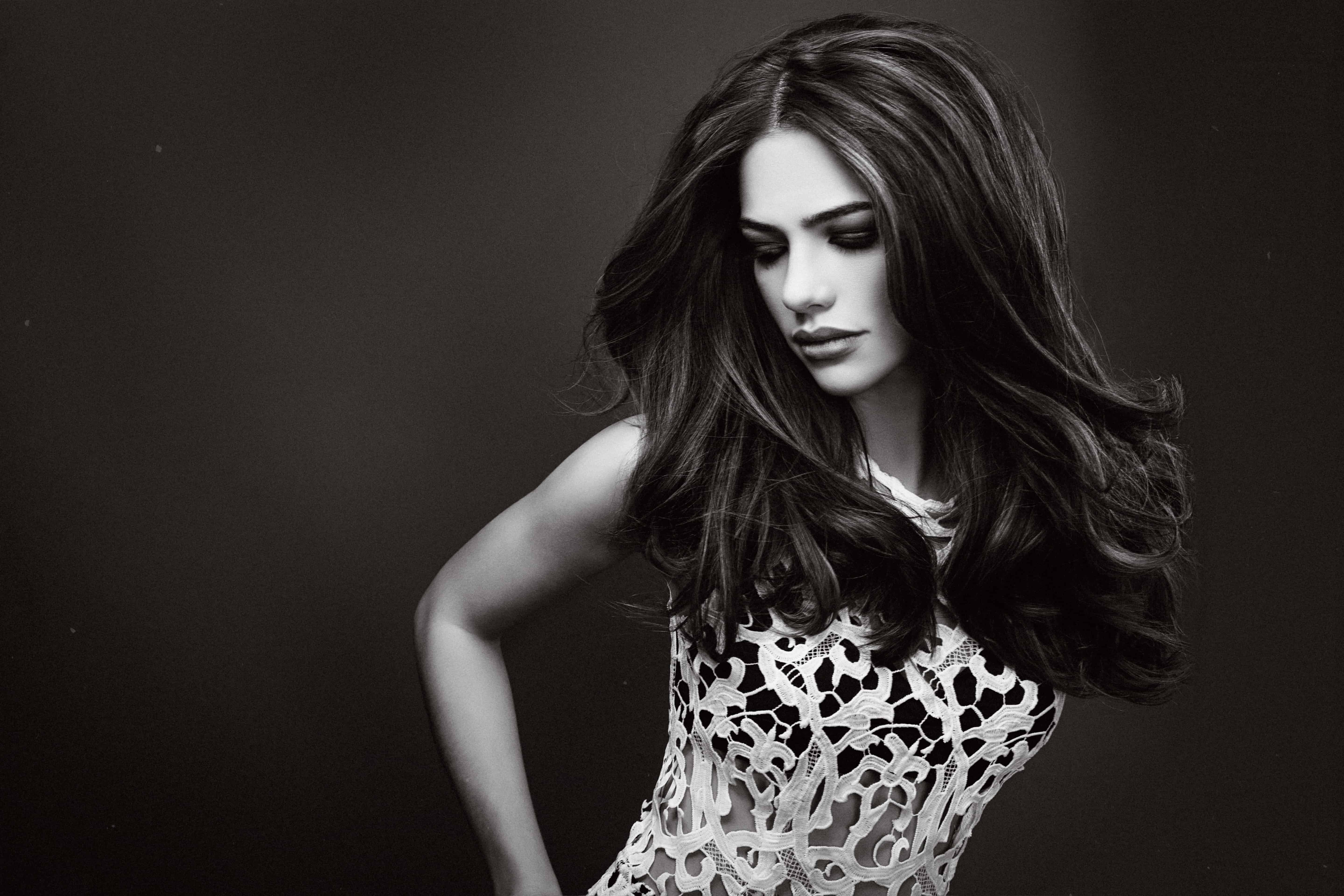 blowout-hairstyle-trend-2016-13