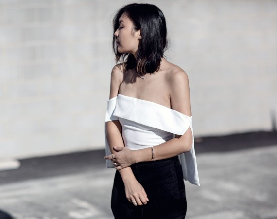 Flare-Sleeve-Off-Shoulder-Outfit-Streetstyle-Blogger-11