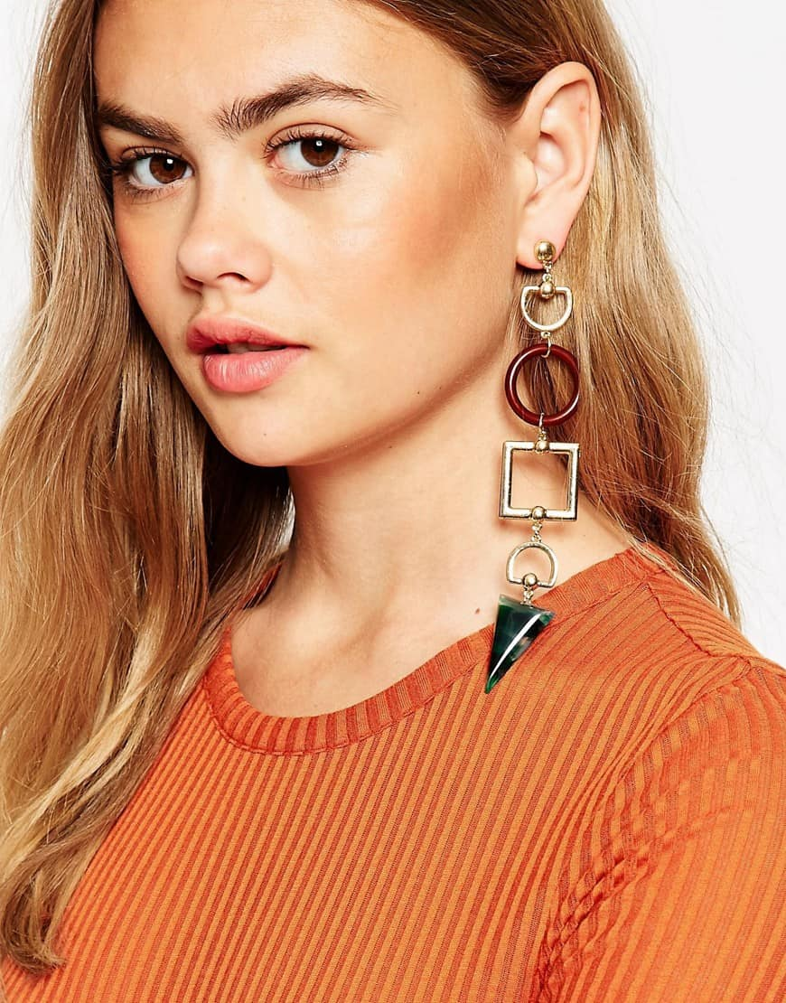 fall-2016-trend-mismatched-earrings-16