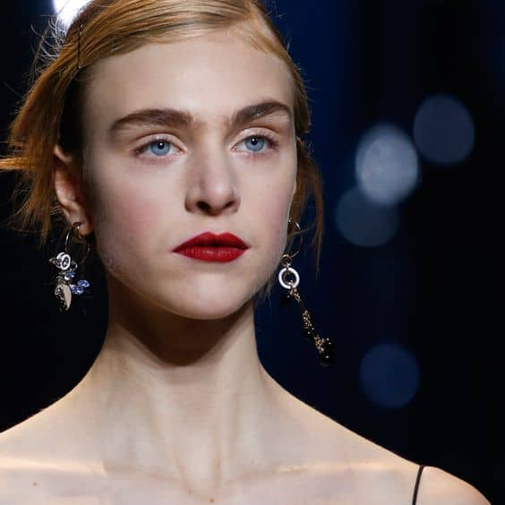 fall-2016-trend-mismatched-earrings-4