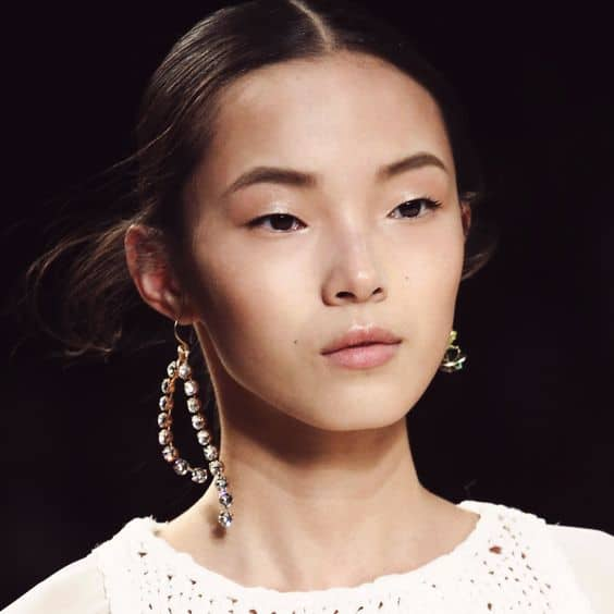fall-2016-trend-mismatched-earrings-9
