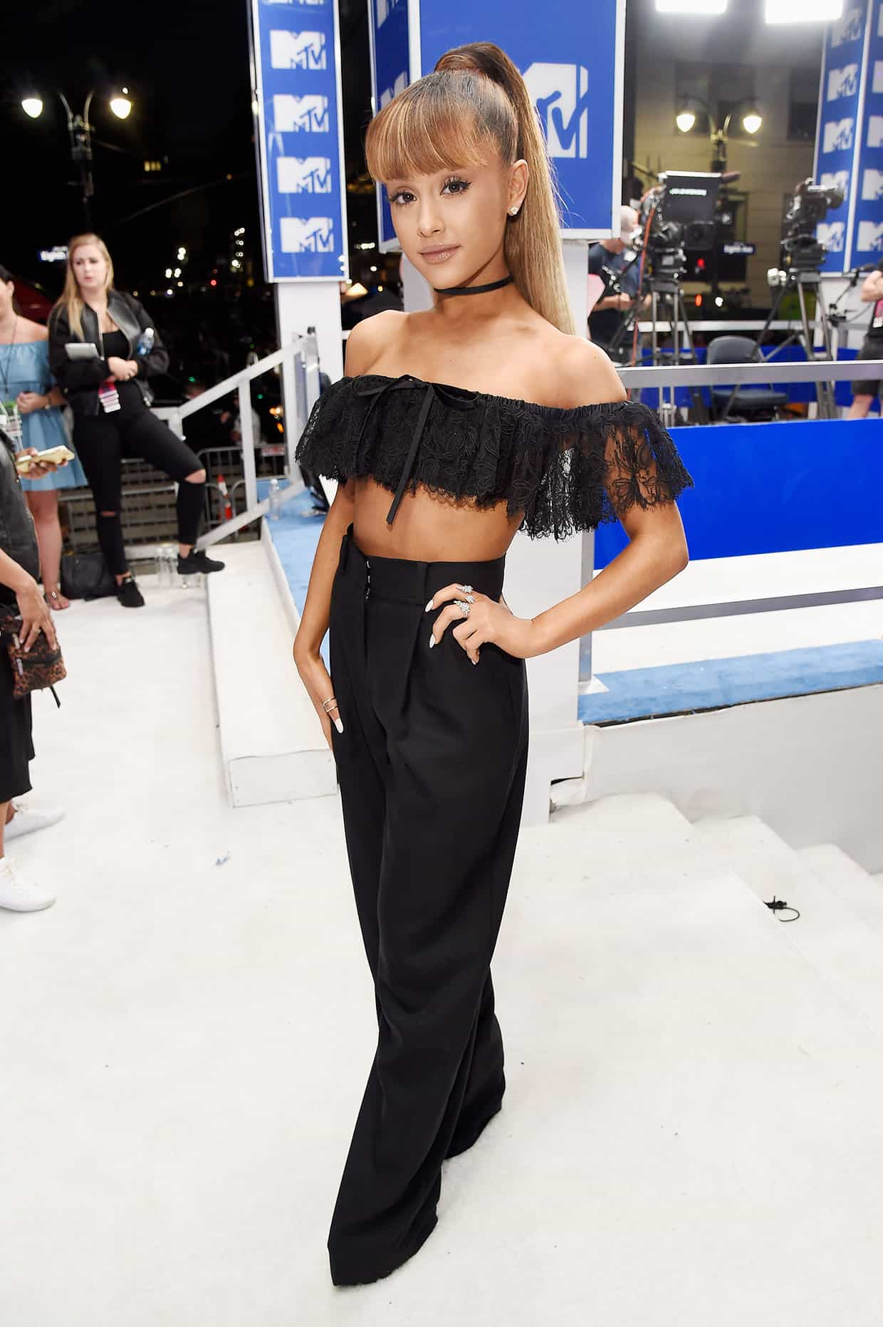 vmas-2016-red-carpet-10