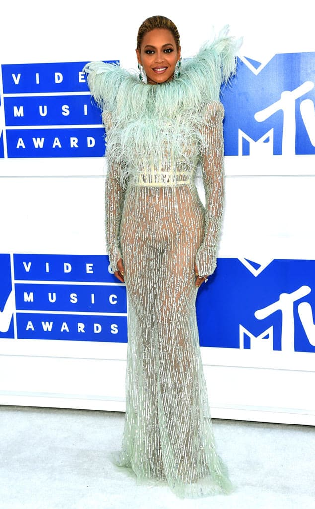 vmas-2016-red-carpet-21