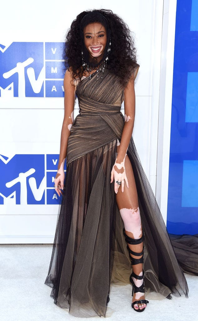 vmas-2016-red-carpet-23