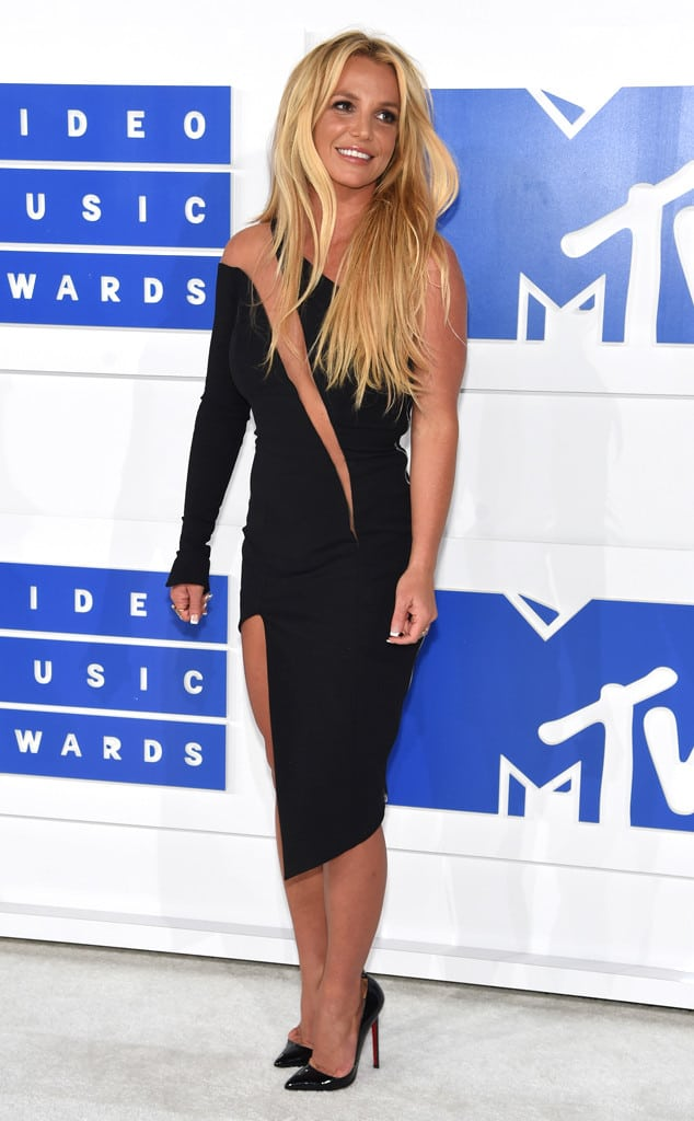 vmas-2016-red-carpet-36
