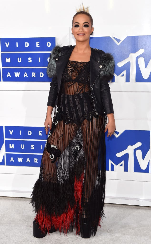 vmas-2016-red-carpet-39