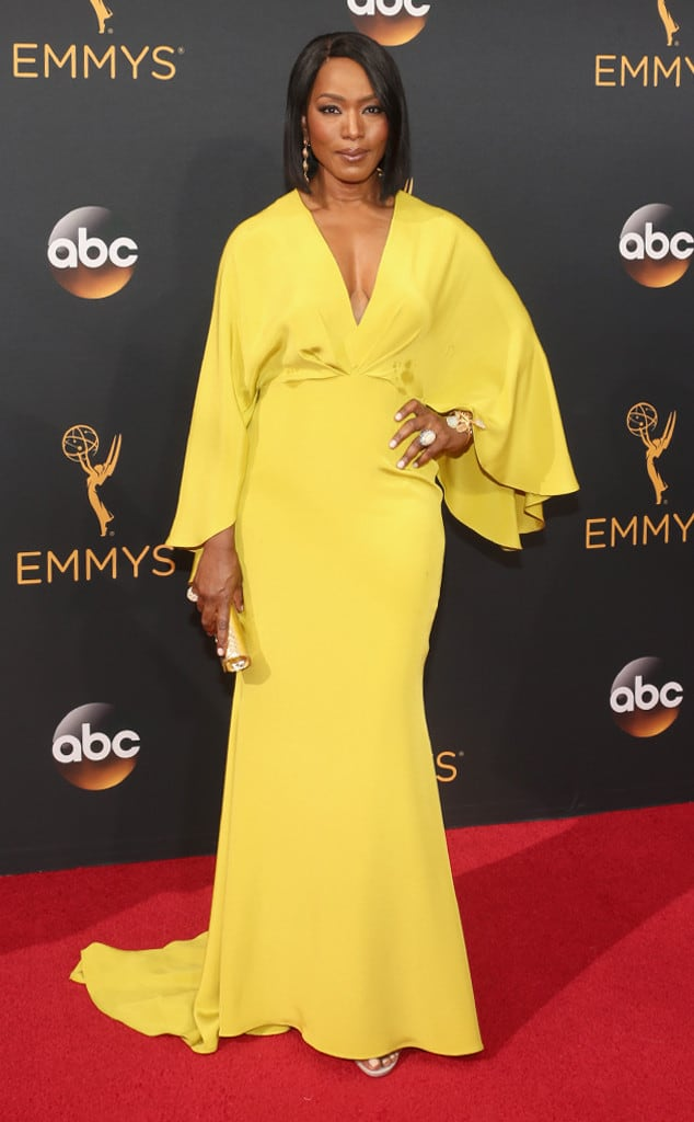 emmys-red-carpet-2016-red-carpet-angela-bassett-emmy-awards-2016