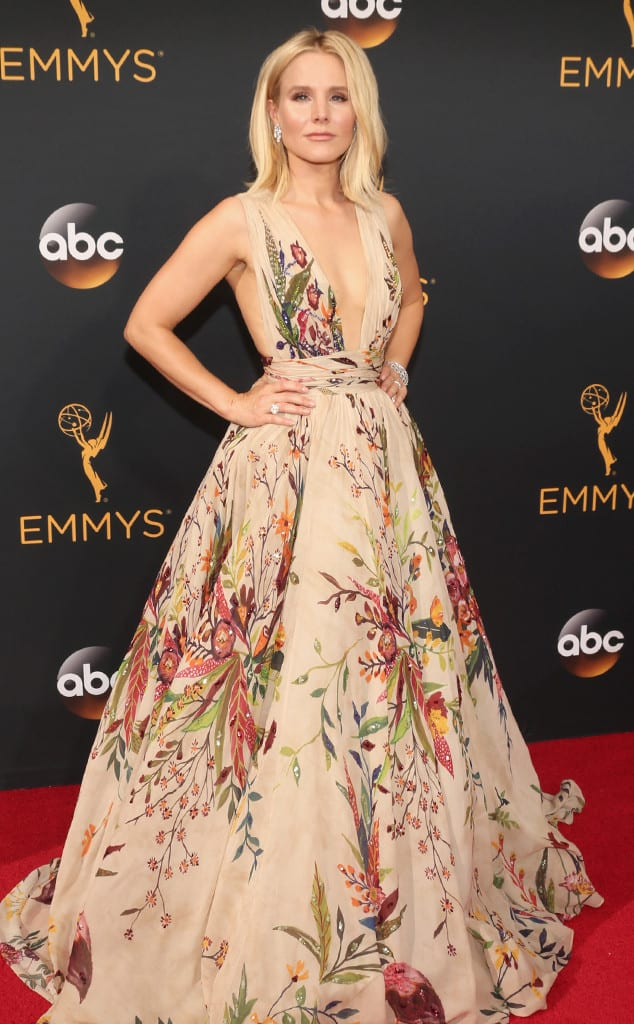 emmys-red-carpet-2016-red-carpet-kristen-bell