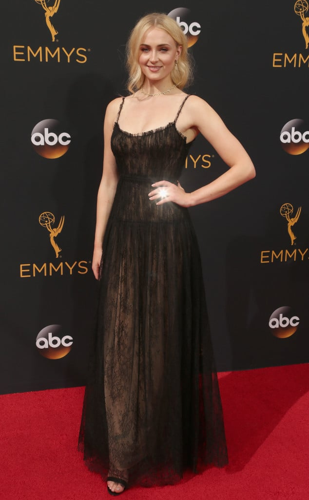 emmys-red-carpet-2016-red-carpet-sophie-turner-emmy-awards-2016
