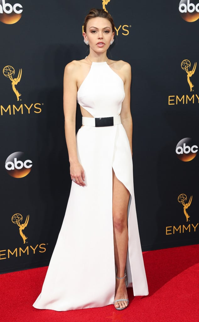 emmys-red-carpet-2016-red-carpet-aimee-teegarden-cm-91816