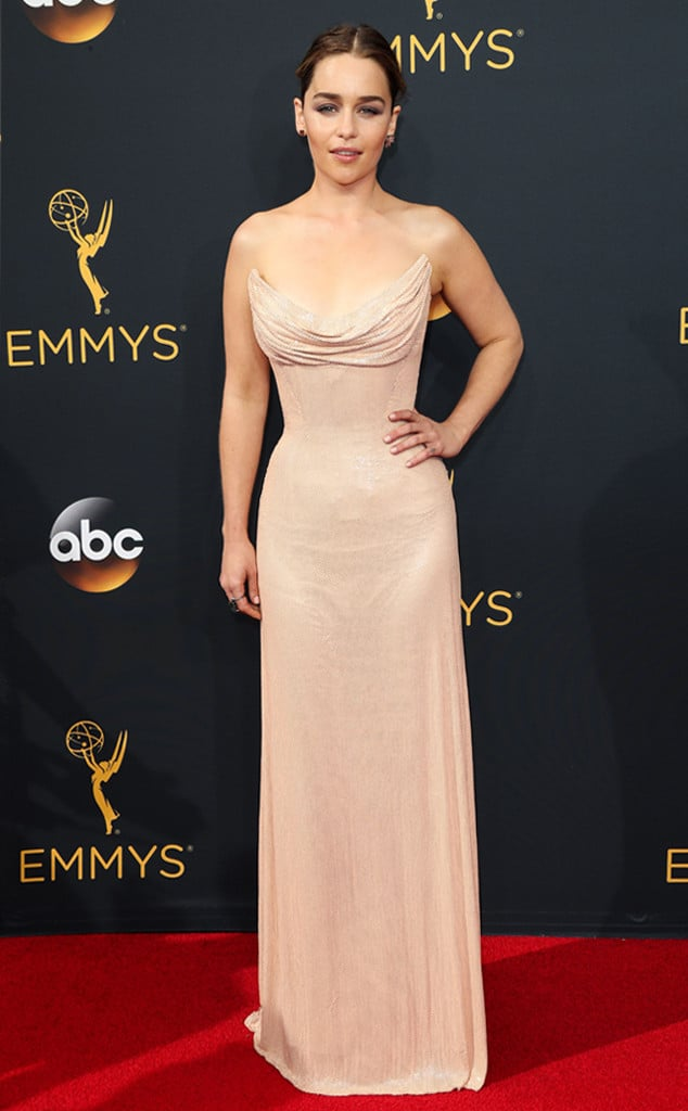 emmys-red-carpet-2016-red-carpet-arrivals-emilia-clarke