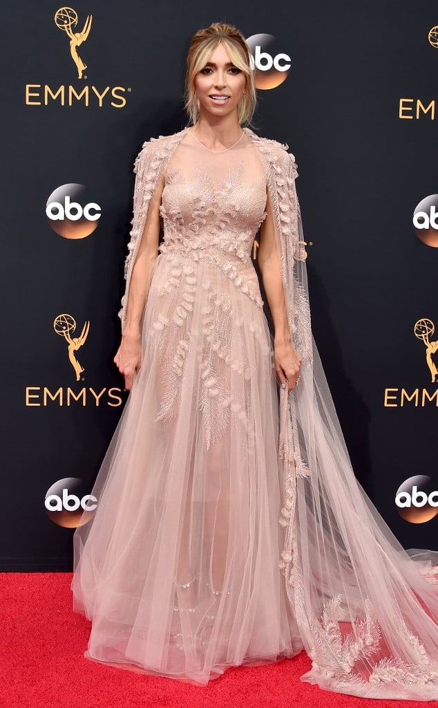 emmys-red-carpet-2016-red-carpet-giuliana-rancic