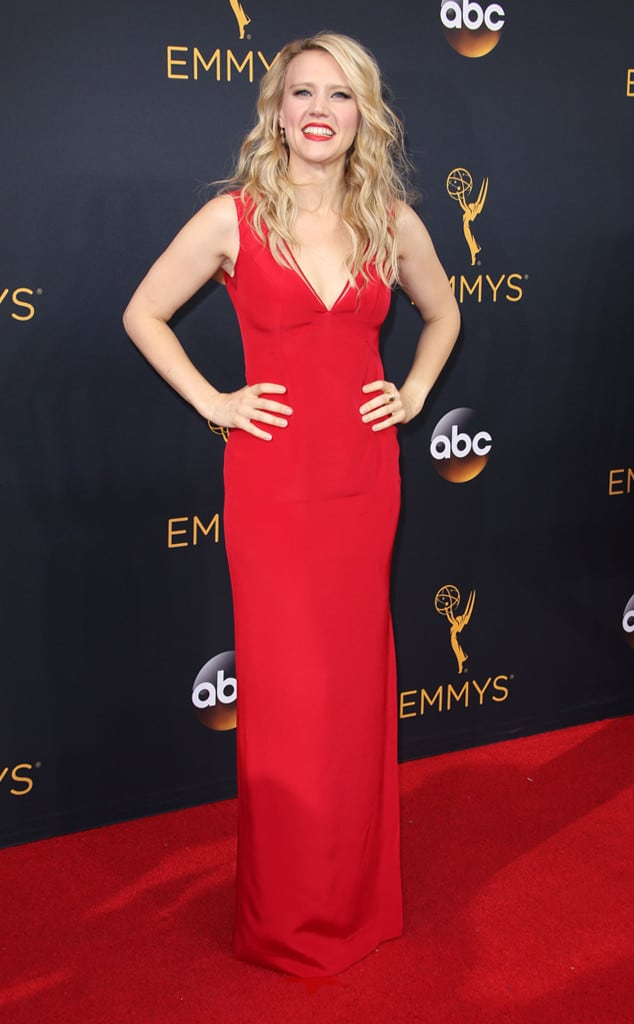 emmys-red-carpet-2016-red-carpet-kate-mckinnon-emmy-awards-2016