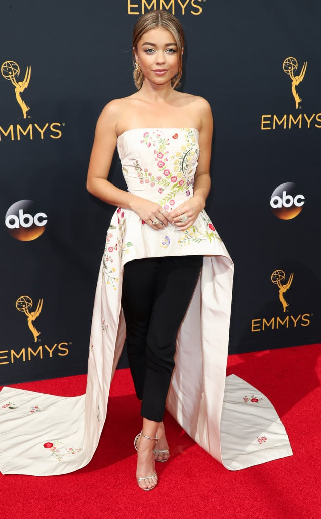 emmys-red-carpet-2016-red-carpet-sarah-hyland